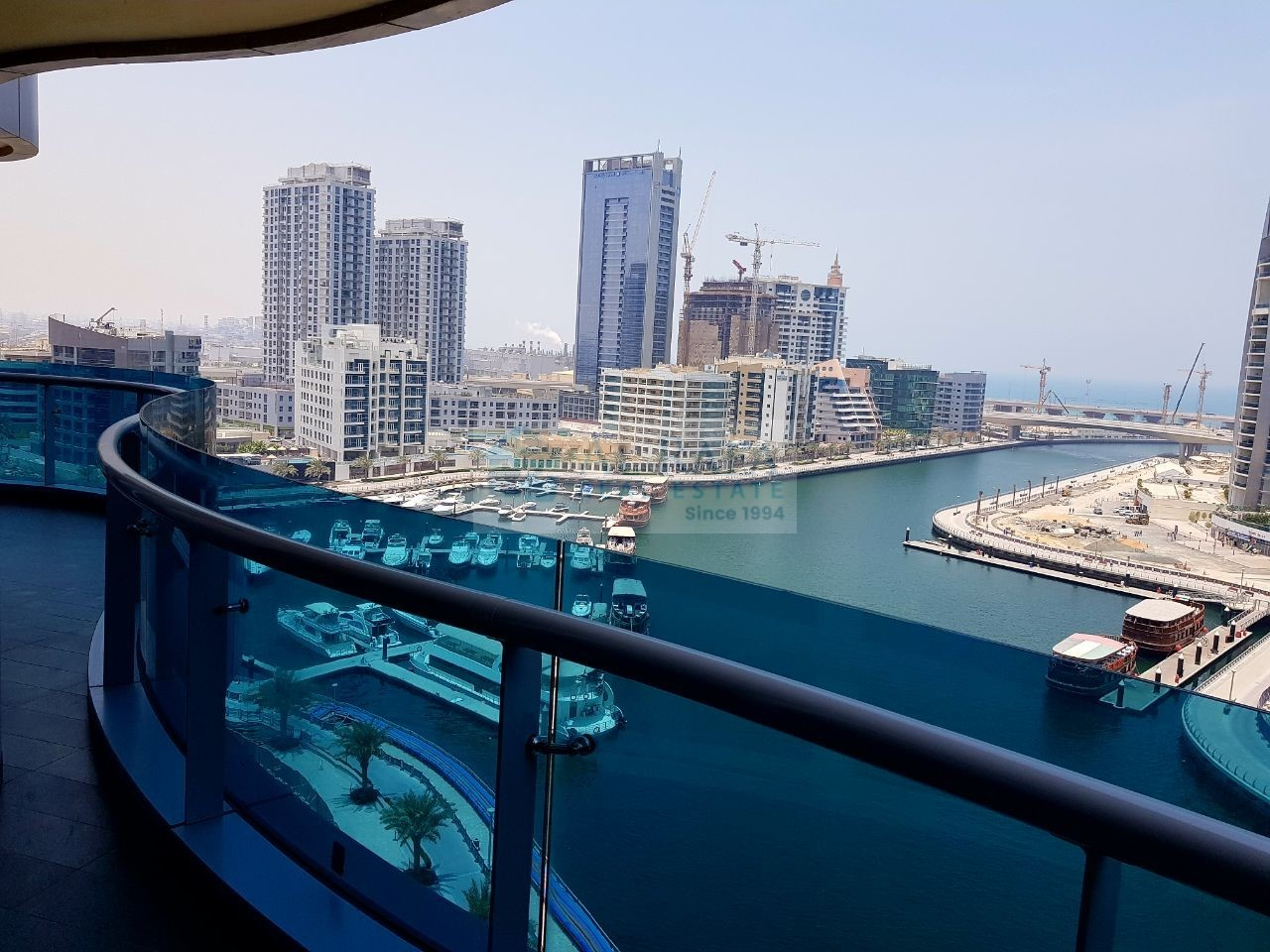 FULLY FURNISHED SPACIOUS 2 B/R SEA VIEW.