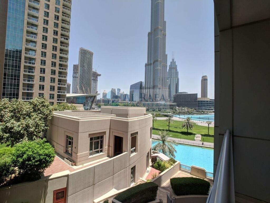 Spacious 1BHK Burj khalifa and lake view